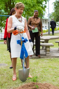 20120502-NGHS-Governess-0289