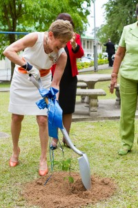 20120502-NGHS-Governess-0298
